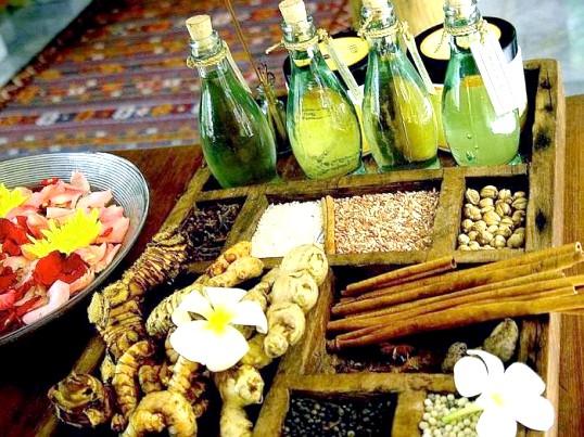 Ефірна олія неролі: корисні властивості