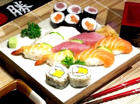 Як їсти суші правильно
