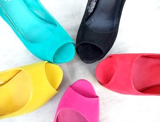 кольорова взуття