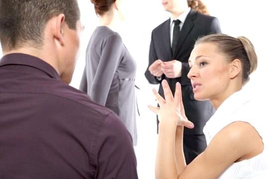 Як визначити, що вам брешуть: абетка жестів