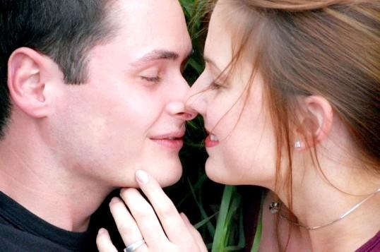 Як правильно цілуватися взасос і по-французьки
