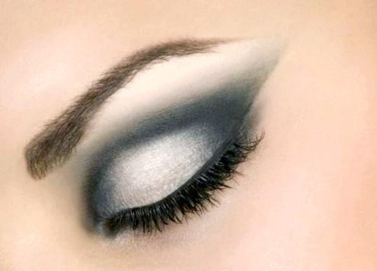 Як правильно наносити макіяж