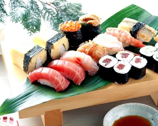 Як приготувати роли і суші вдома