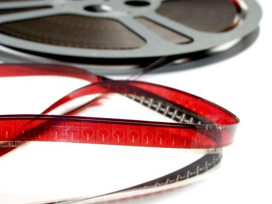 Як вставити у фільм доріжку