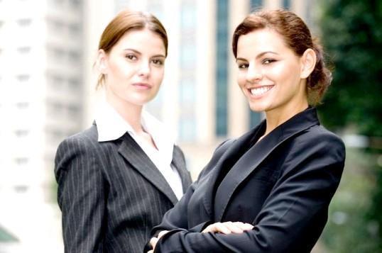 Якою має бути офісний одяг для жінок