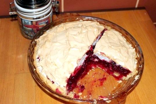 Журавлинний пиріг з меренгами