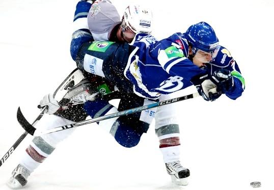 Як робити хокейні фінти