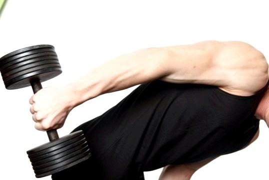 Як чоловікові прибрати жир з живота і боків