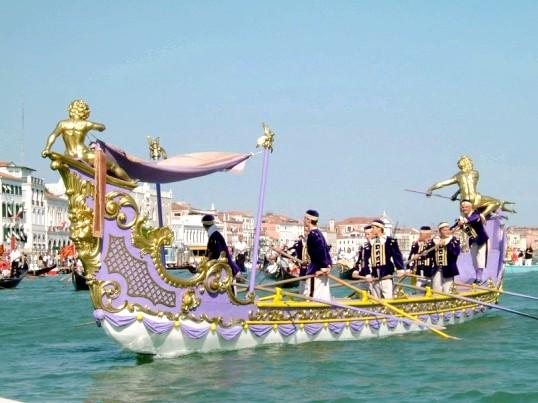 Як проходить регата у Венеції