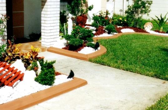 Види матеріалів для виготовлення садового бордюру
