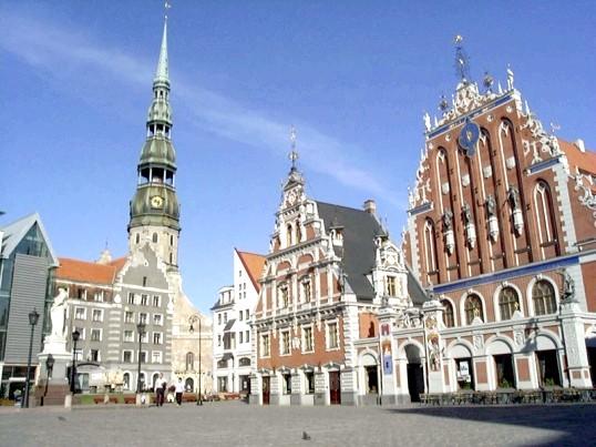 Як перевести гроші в Латвію