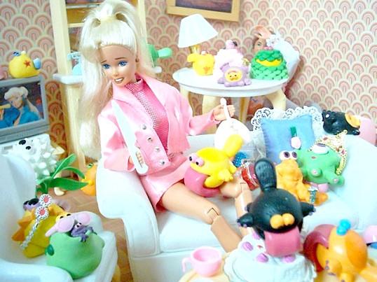 Як зробити шафу для ляльок