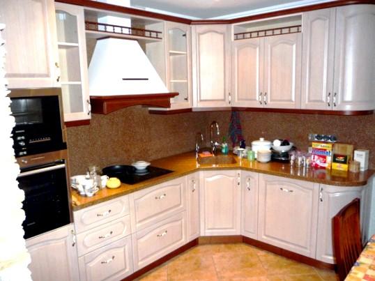 Які бувають витяжки для кухні?