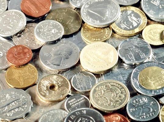 Чому люди купують банкноти дорожче їх номіналу
