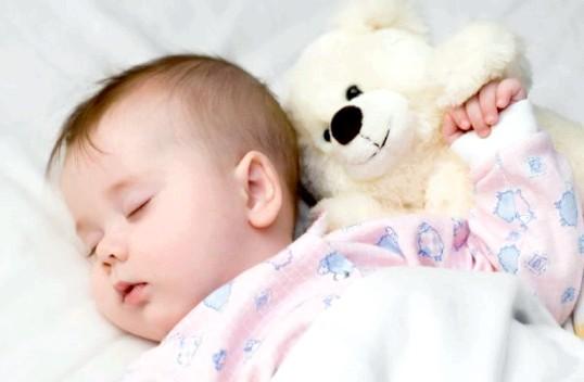 Що робити, якщо малюк прокидається вночі