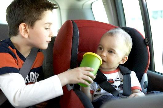 Що робити, якщо дитину закачує в машині