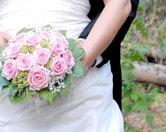 Куди подіти б / у весільну сукню