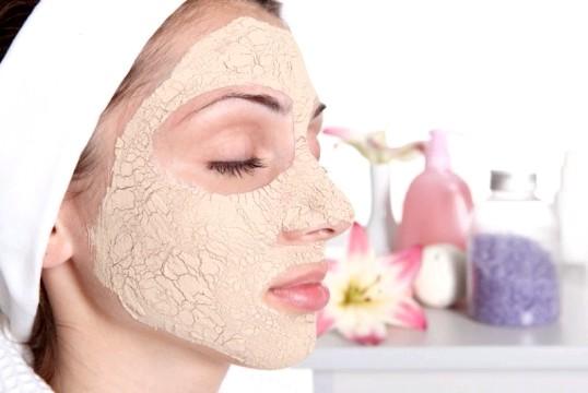 Омолоджуючі маски для обличчя - краса з підручних засобів