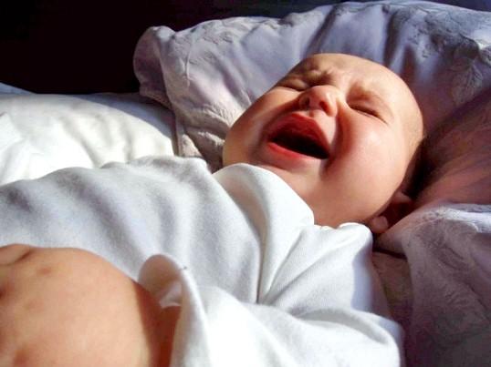 Чому немовля сригивает