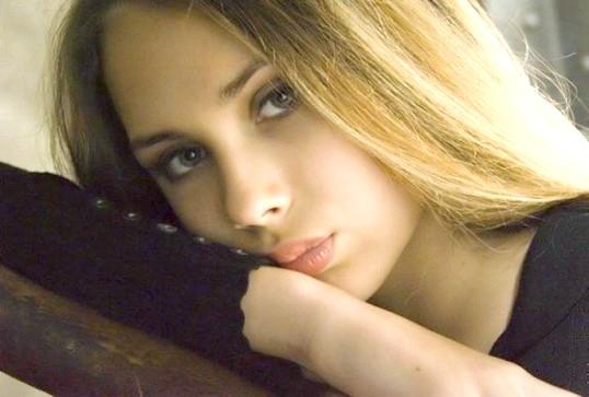 Чому красиві жінки часто бувають самотніми і нещасливими?