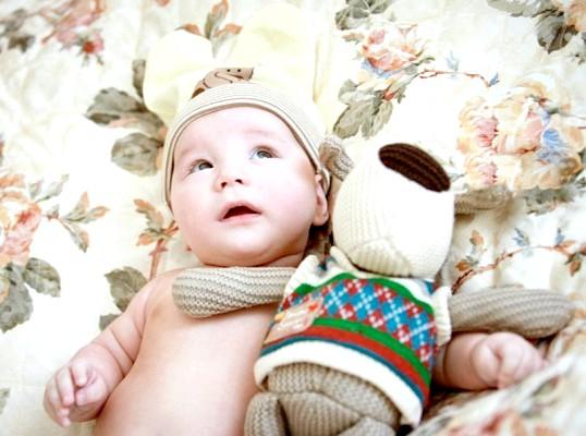 Чому новонароджений крекче