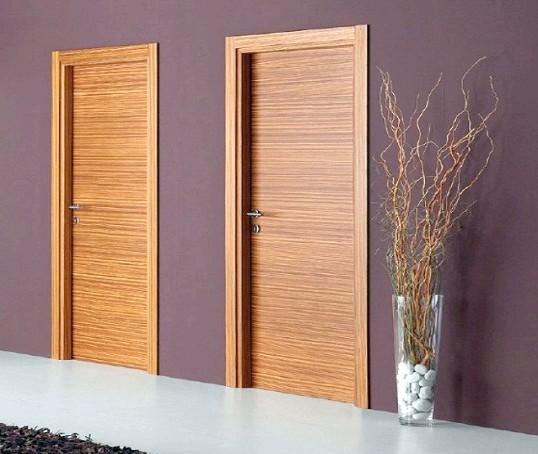 Протипожежні дерев'яні двері: створюємо бар'єр від вогню