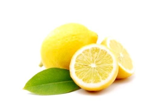 Сік лимона допоможе позбутися від пігментних плям