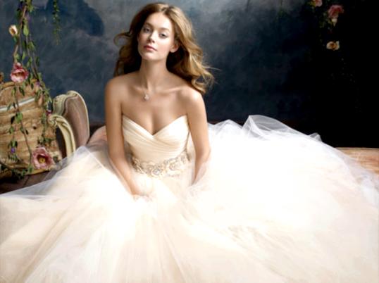 Куди можна здати весільну сукню