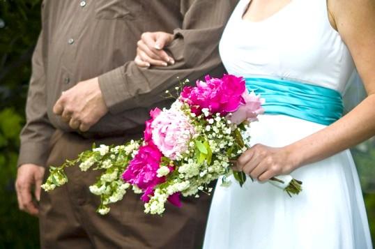 Весільна сукня: купувати чи брати напрокат?