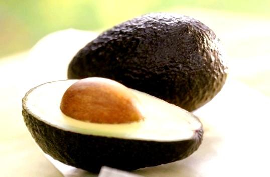 Чим корисно авокадо для жінок