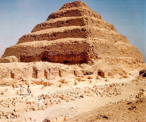 Чим знаменита ступінчаста піраміда Джосера