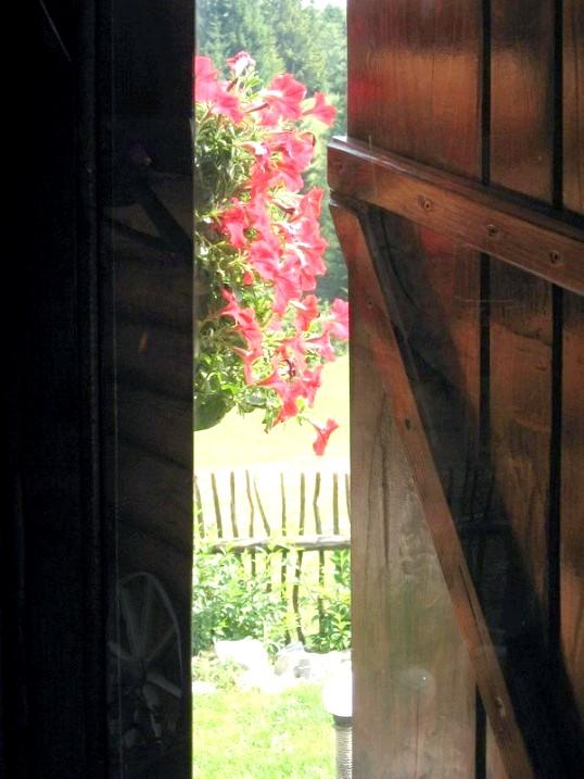 Що робити, якщо двері заклинило