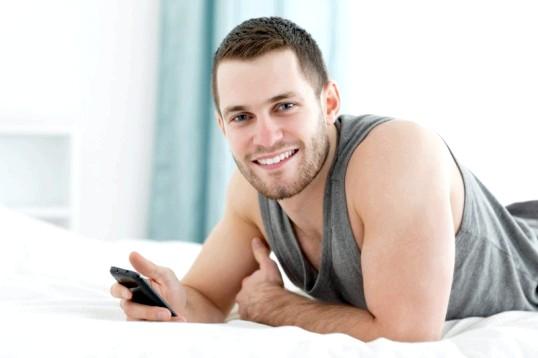 Що робити, якщо чоловікові дзвонить його колишня дівчина