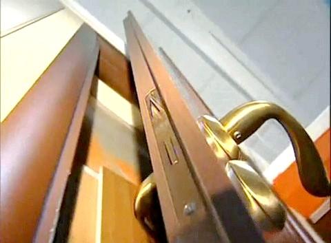 Що робити, якщо скрипить двері?
