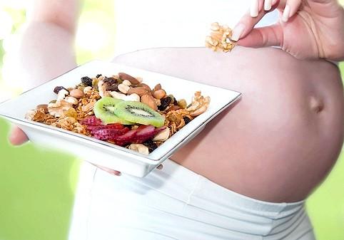 Що їсти і пити при вагітності