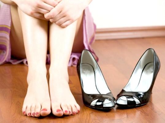 Що можна зробити з туфлями, якщо вони труть ззаду?