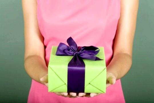 Що подарувати йому на день народження