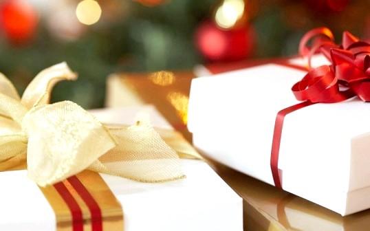 Що подарувати заможній людині