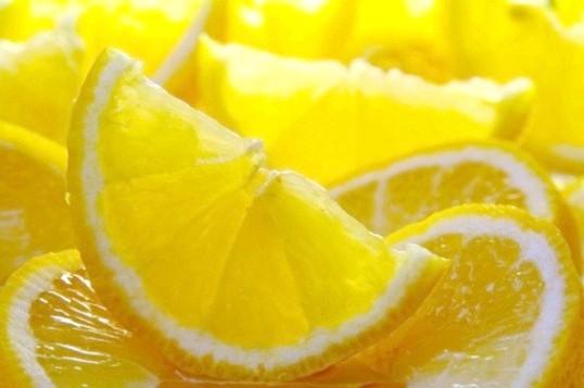Цитрусова свіжість: лимонні маски