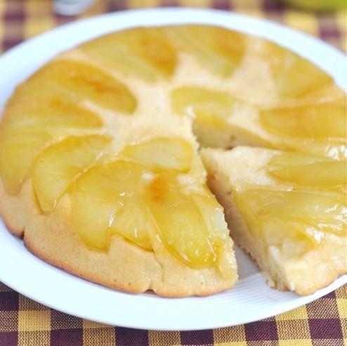 Яблучний тарт татен на сметанному тесті