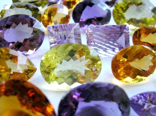 Чи можуть камені міняти колір
