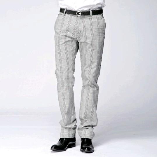 Чоловічі брюки в смужку