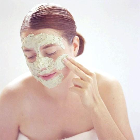 Цвітіння маска для сухої шкіри обличчя