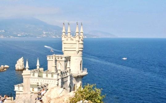 Плюси і мінуси відпочинку в Криму