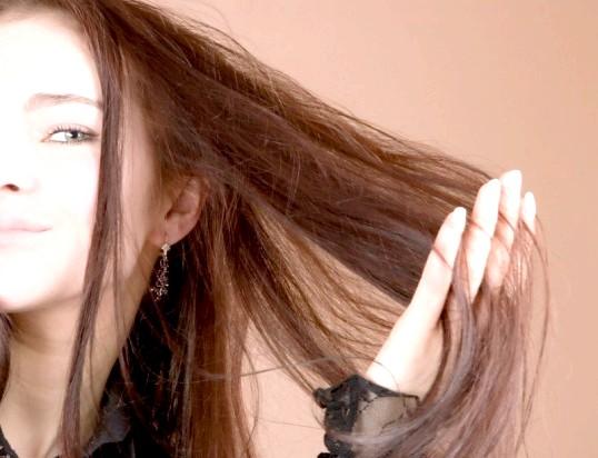 Чому волосся випадає