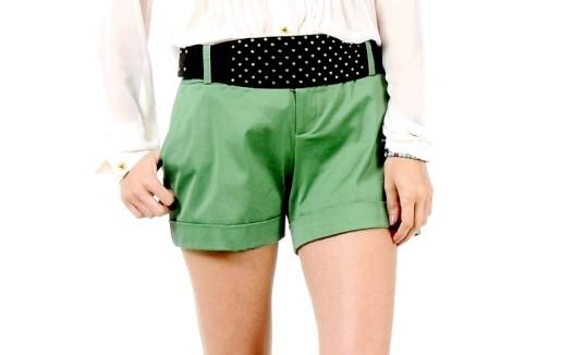 З чим носити зелені шорти
