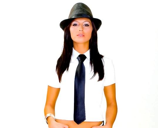 З чим носити жіночий галстук