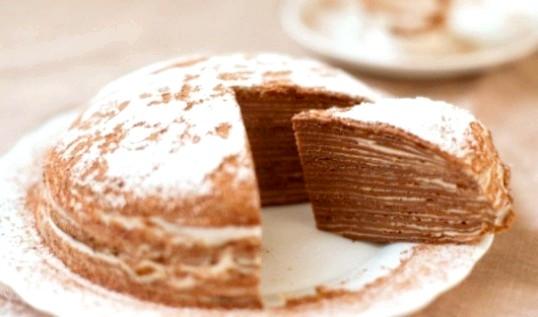 Шоколадний млинцевий торт