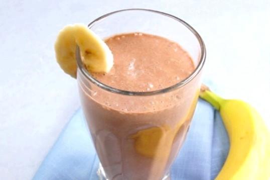 Шоколадний смузі з бананом