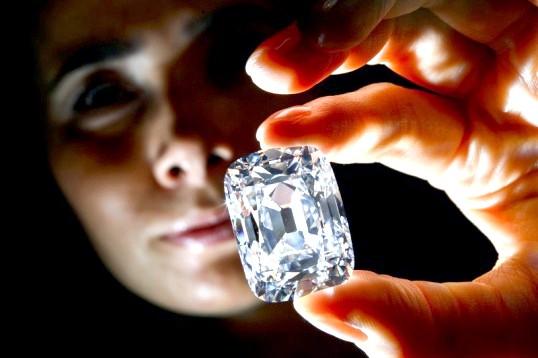 Скільки коштує 1 карат діаманту